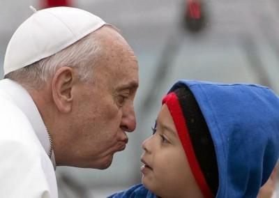 Vaticano: Papa decide criar comissão para proteção de menores