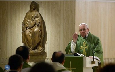 Francisco alerta para «contágio» das tentações