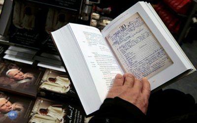 Livro com notas pessoais de João Paulo II gera controvérsia na Polónia