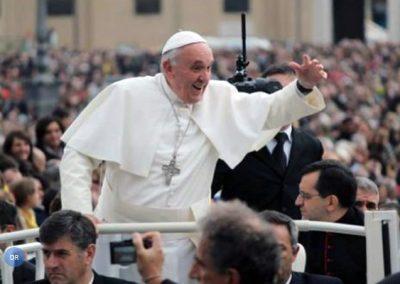 Papa quer jovens sem medo de «escolhas definitivas» e com «cortesia» na vida familiar