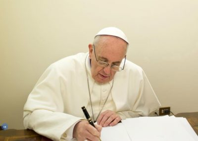 Os Direitos humanos têm de estar no centro de todas as decisões políticas, refere o Papa Francisco