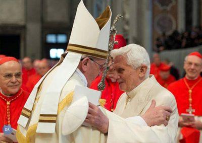 Papa convida novos cardeais a serem homens de paz num mundo marcado por conflitos