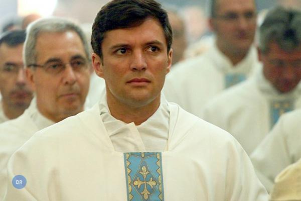 Homenagem da Ouvidoria da Horta ao Pe. António Manuel Saldanha por ocasião das bodas de prata sacerdotais