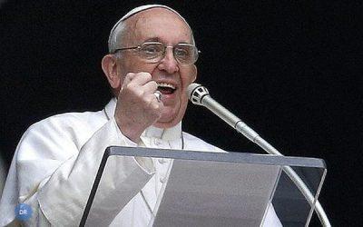 Papa sublinha alegria que deve marcar vivência da Páscoa