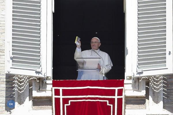 Papa reza pelas famílias de todo o mundo