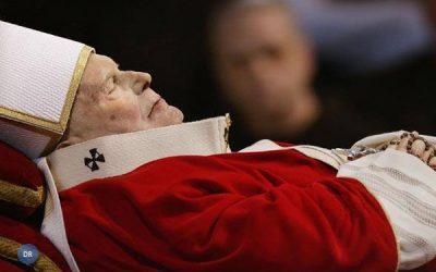Papa recorda João Paulo II, falecido há nove anos