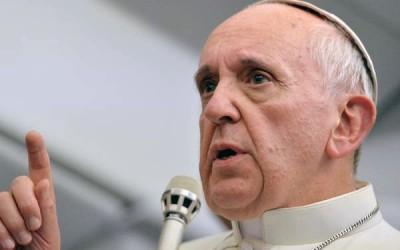Papa Francisco rejeita acusação de marxismo