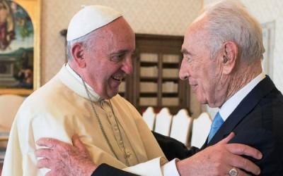 Vaticano: Shimon Peres apresentou ao Papa ideia de «ONU das religiões»
