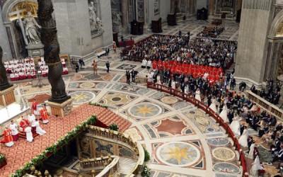 Papa sublinha importância da família para a sociedade e pede fidelidade no casamento