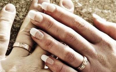 Relatório preliminar do Sínodo afasta mudanças doutrinais e assume problemáticas dos casamentos falhados