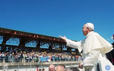 Papa fala em «decadência moral» da humanidade e reafirma prioridade aos pobres