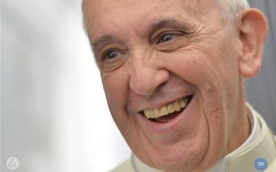 Porta-voz desmente «notícias infundadas» sobre saúde do Papa