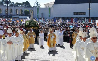 Patriarca latino de Jerusalém critica «muros de betão e do coração»