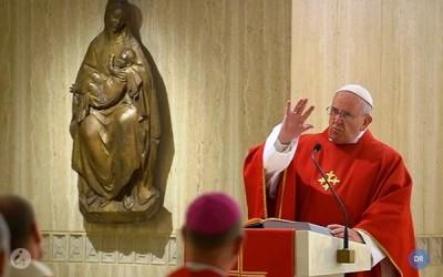 Papa  diz que a Igreja tem de ser pobre para manter-se fiel à sua missão