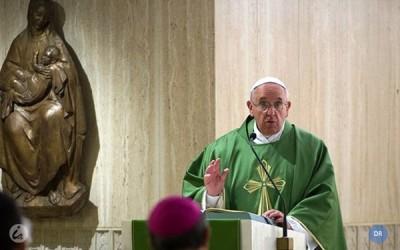 Papa diz que conversão tem de chegar aos «bolsos»