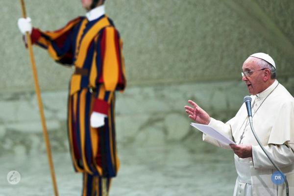 Papa pede respeito pela vida «até à morte natural», no meio de polémica em França