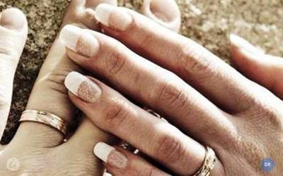 Papa pede aos párocos que acompanhem casais em todas as situações