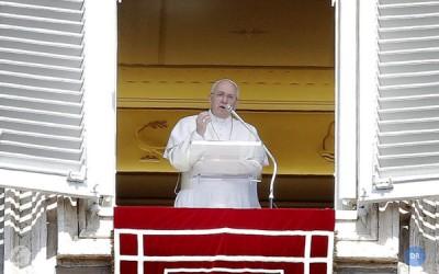 Papa reforça apelos a «calar as armas» e contra exploração dos seres humanos