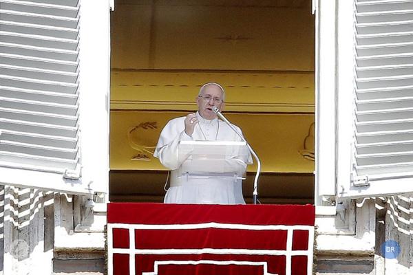 Papa assinala solenidade da Santíssima Trindade, que mostra um Deus próximo e aberto
