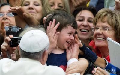 Papa sonha com uma Igreja «mãe» em sociedade de «órfãos»