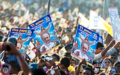 Papa lembra sofrimentos da guerra em visita inédita ao Sri Lanka