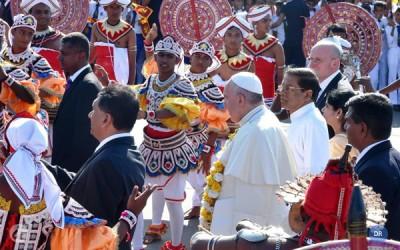 Papa recorda «herança amarga» da guerra civil e apela à reconciliação no Sri Lanka