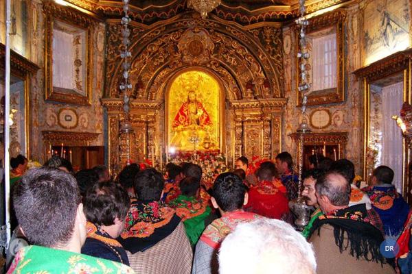 """Bispo de Angra pede aos romeiros para rezarem pela """"renovação"""" e """"purificação"""" da Igreja e """"santificação dos sacerdotes"""""""