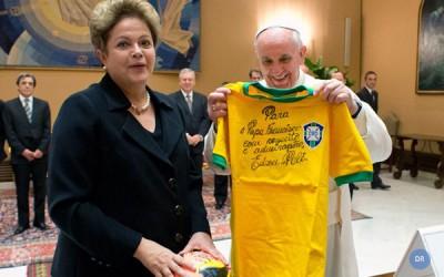 Mundial 2014 : Papa pede «festa da solidariedade» e alerta contra o racismo