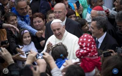 Itália: Papa visitou pobres e imigrantes em Roma