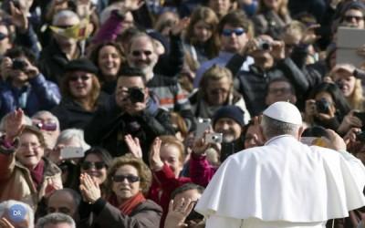 Abandono de pais e avós é «pecado mortal», alerta o Papa