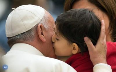 Papa alerta para «sociedade cinzenta» sem a presença de crianças