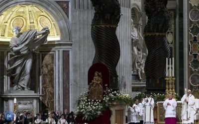 """Papa pede """"humildade"""" e «capacidade de espanto» para entender «Mistério»"""