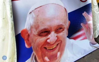 Francisco encerra etapa na Bolívia e prossegue viagem no Paraguai
