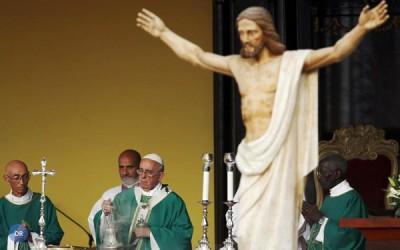 Papa apela à paz na Colômbia