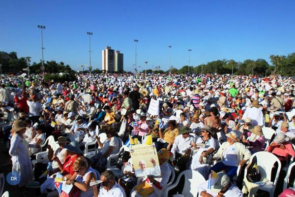 Papa elogia «esforço e sacrifício» da Igreja Católica em Cuba