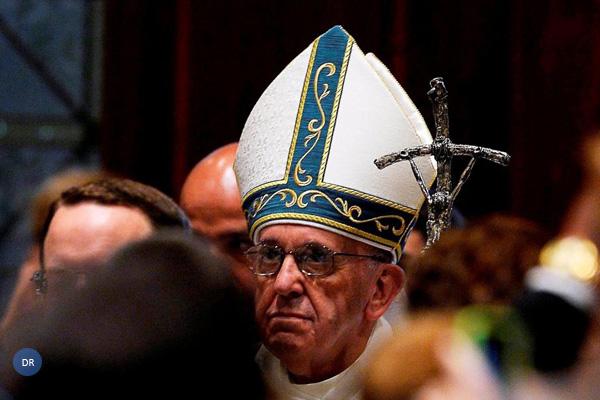 Papa pede orações pelas «decisões» do próximo Sínodo sobre a família