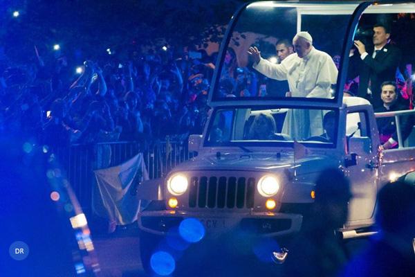 Papa sai em defesa das famílias, chave do «futuro» da humanidade