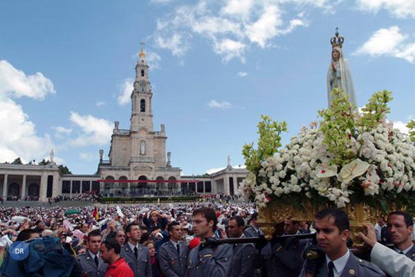 Papa associa-se a celebração do 13 de maio