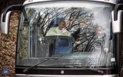Papa parte para retiro com membros da Cúria Romana
