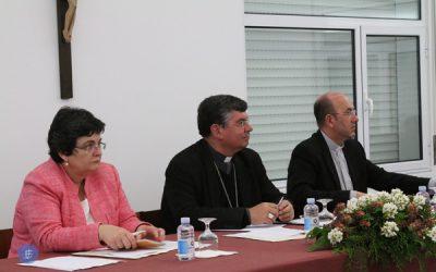 """A missão """"fundamental dos leigos é no mundo"""" refere bispo de Angra"""