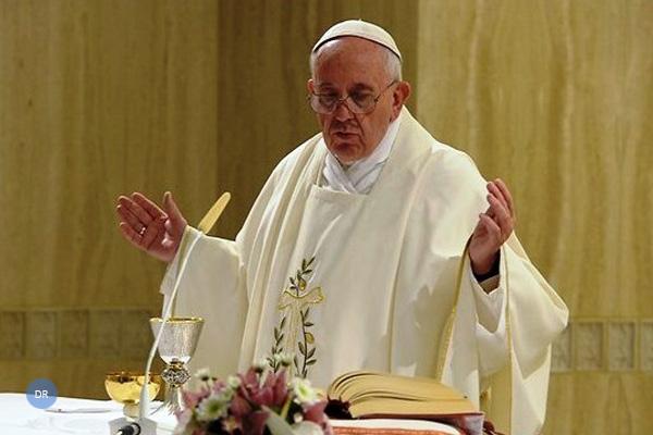 Santa Sé descarta «novas diretivas» para celebração da Missa