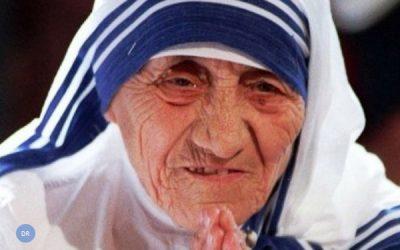 Biografia oficial de Madre Teresa evoca «dolorosa escuridão interior»