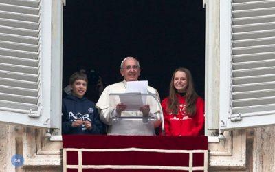 Papa propõe comunicação de «esperança e confiança»