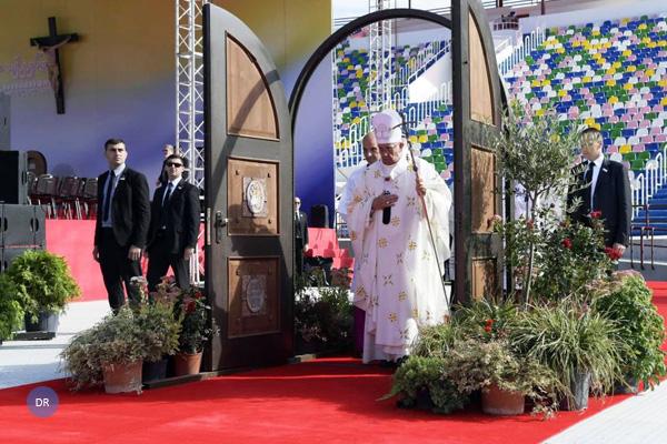 Papa elogia papel das mulheres na transmissão da fé