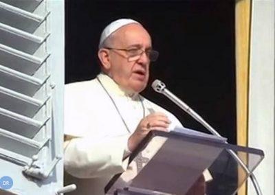 """Papa assinala solenidade de Cristo-Rei e diz que universo """"não avança ao acaso"""""""
