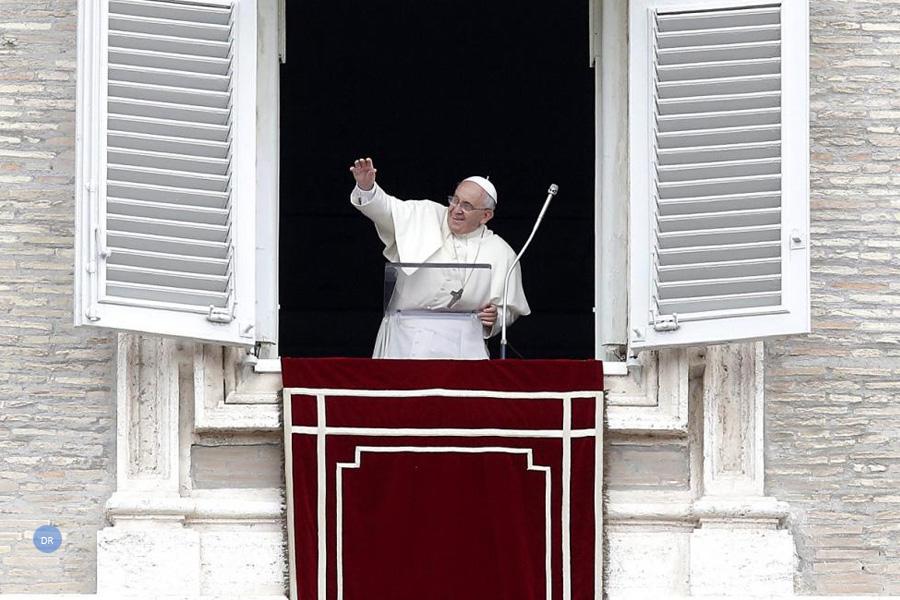Papa alerta para insultos, adultério e mentira no coração humano