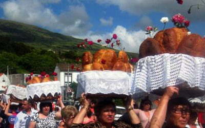 Devoção à Terceira Pessoa da Santíssima Trindade une ilhas dos Açores