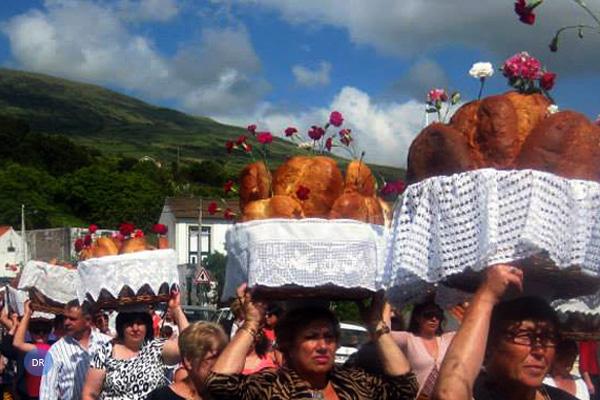 Festas do Espírito Santo no Pico começam este sábado na Silveira