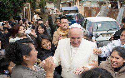 Papa critica «riqueza descarada» de «privilegiados» que contrasta com «escândalo» da pobreza