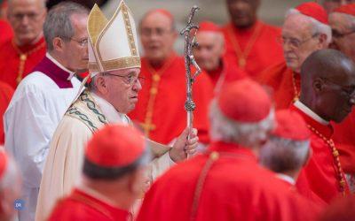 Papa desafia cardeais a «olhar para a realidade» e servir quem mais precisa